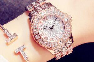 Най-красивите и най-луксозни дамски часовници с диаманти